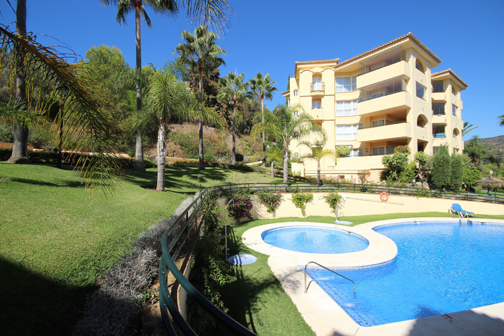 This extraordinarily sized and very private penthouse apartment in Las Terrazas de Santa Maria is lo, Spain