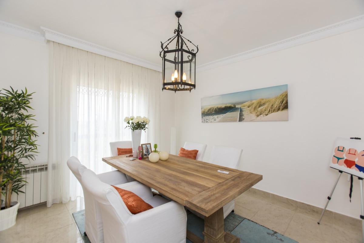 Villa – Chalet en Venta en Elviria – R3266557