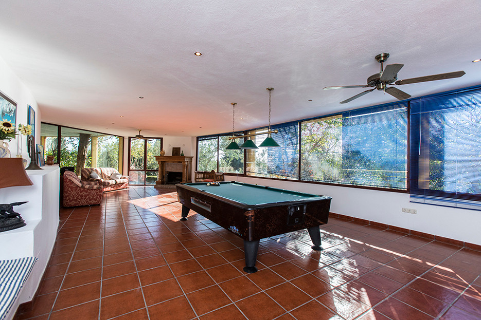 Villa Detached in El Rosario, Costa del Sol