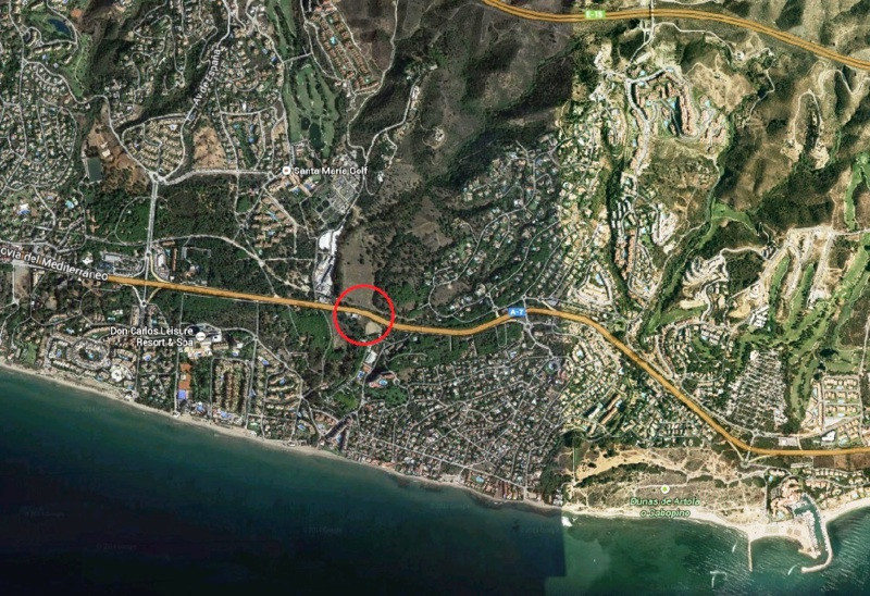 INVESTMENT OPPORTUNITY • Land suitable for business with easy access and exit dui its proximity to t,Spain