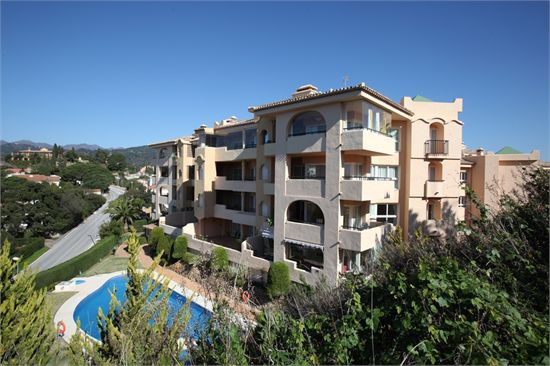 Lovely 3 bedroom apartment in Santa Maria Golf with views over the gold course and the mountains. Th, Spain