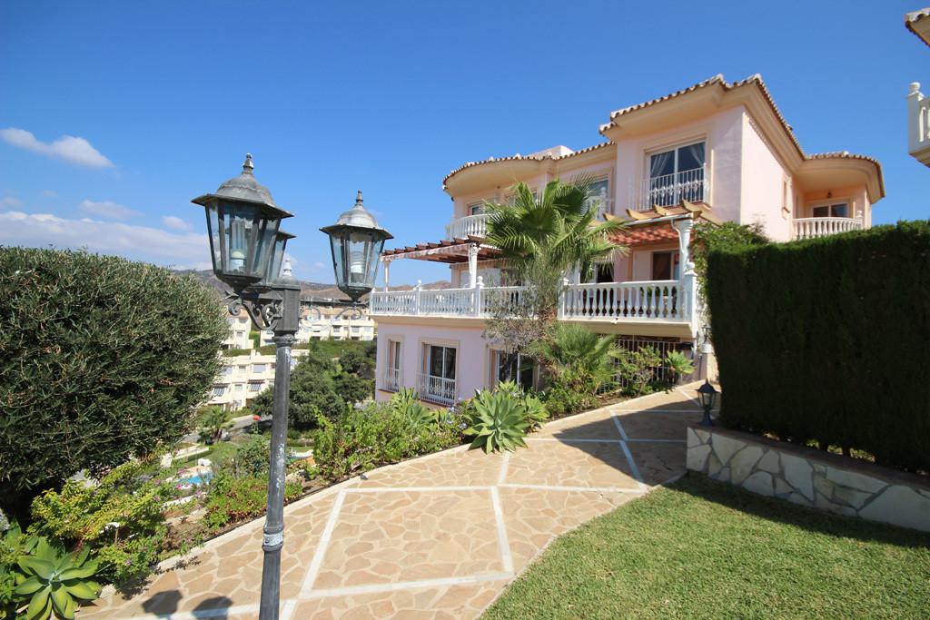 Marbella Banus Villa – Chalet en Venta en Artola – R2771282