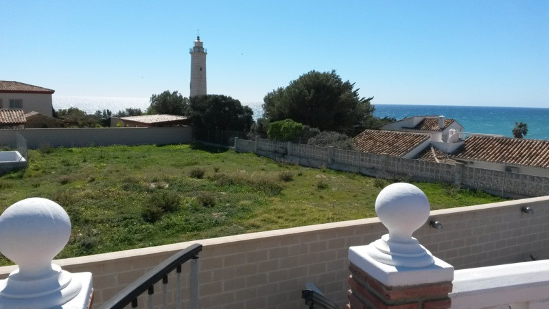 Plot for sale with building and planning  permission. The plot is located  en El Faro with the magni, Spain