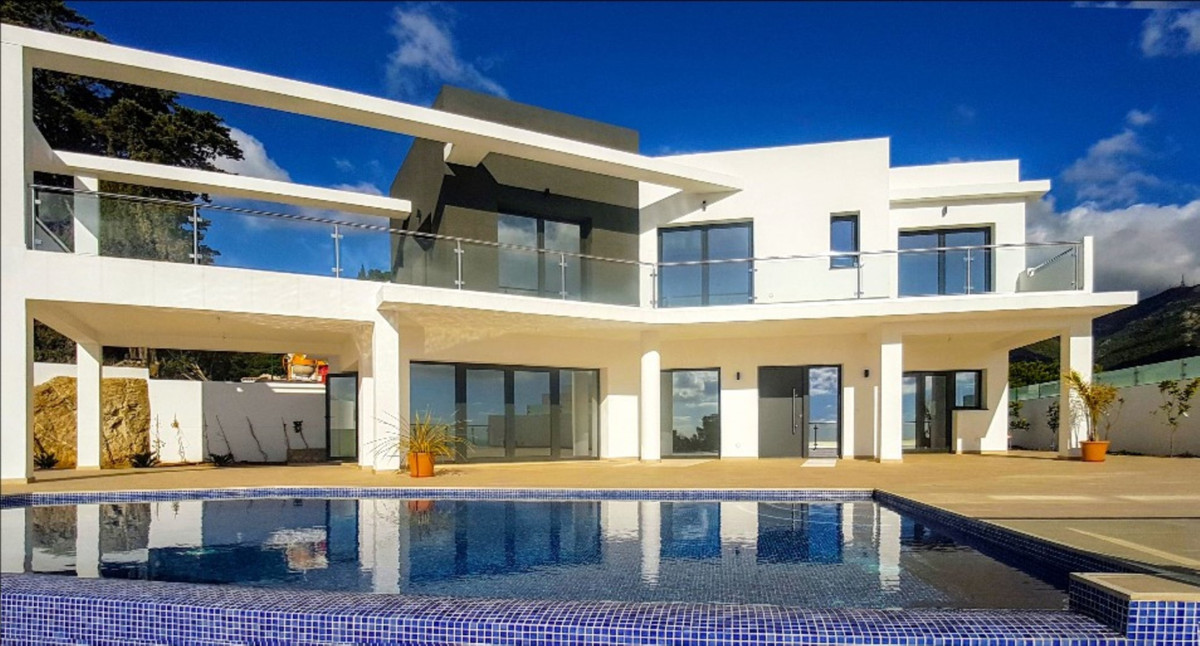 Fantastique Brand New Minimalitic Villa with an amazing panoramic sea views of the coastline. Locate, Spain