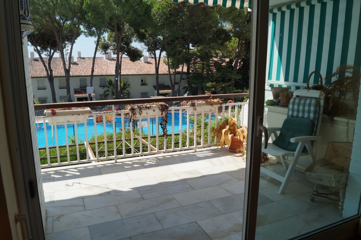 Great apartment in Nagueles Marbella, with 3 bedrooms and 2 bathrooms, built 145m2,  has a fireplace Spain