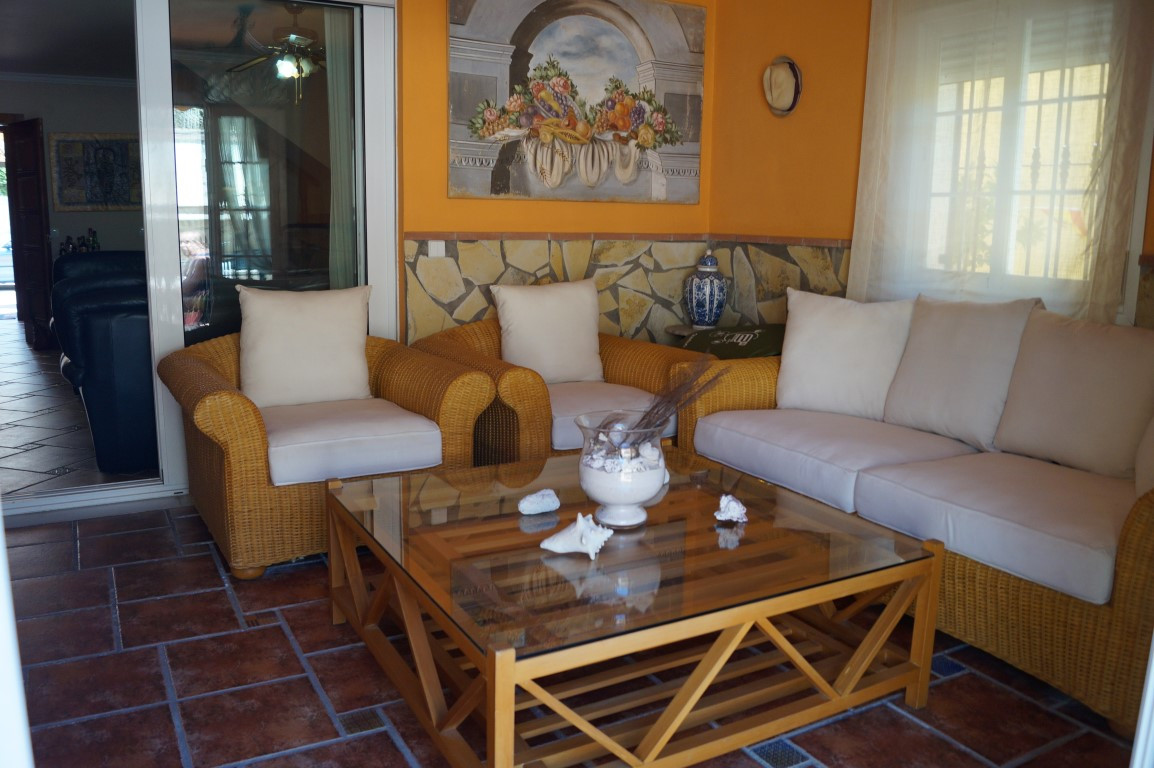 Marbella town semi-detached house with private pool  Beautiful house surrounded by all services, 1 m,Spain