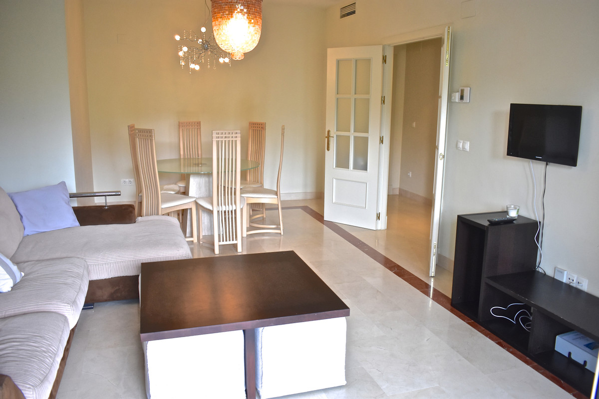 Spacious 3 bed apartment located walking distance to Puerto Banus  The apartment has 3 large bedroom,Spain