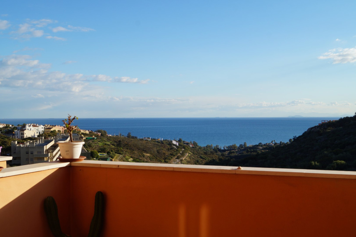 SEA, GIBRALTAR AND MOUNTAIN VIEWS  Views of the sea, Gibraltar and Africa, apartment in gated urbani,Spain