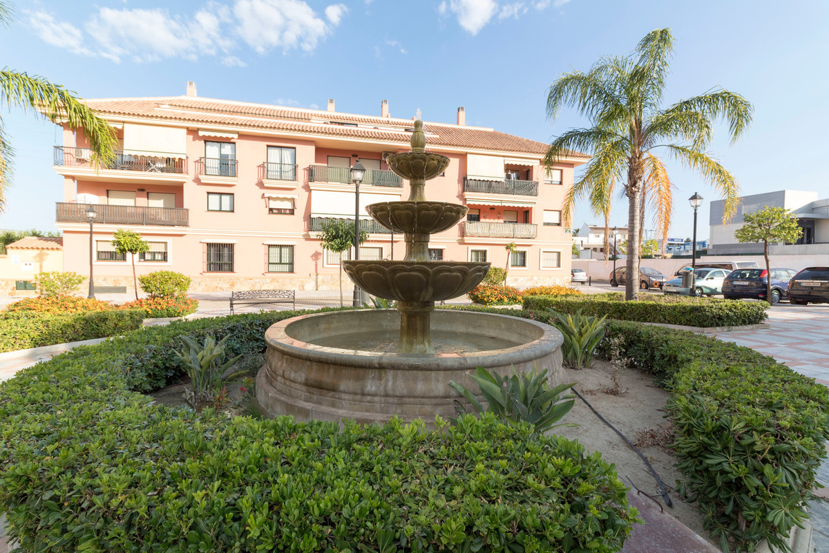 Middle Floor Apartment, Las Lagunas, Costa del Sol. 2 Bedrooms, 2 Bathrooms, Built 77 m², T, Spain