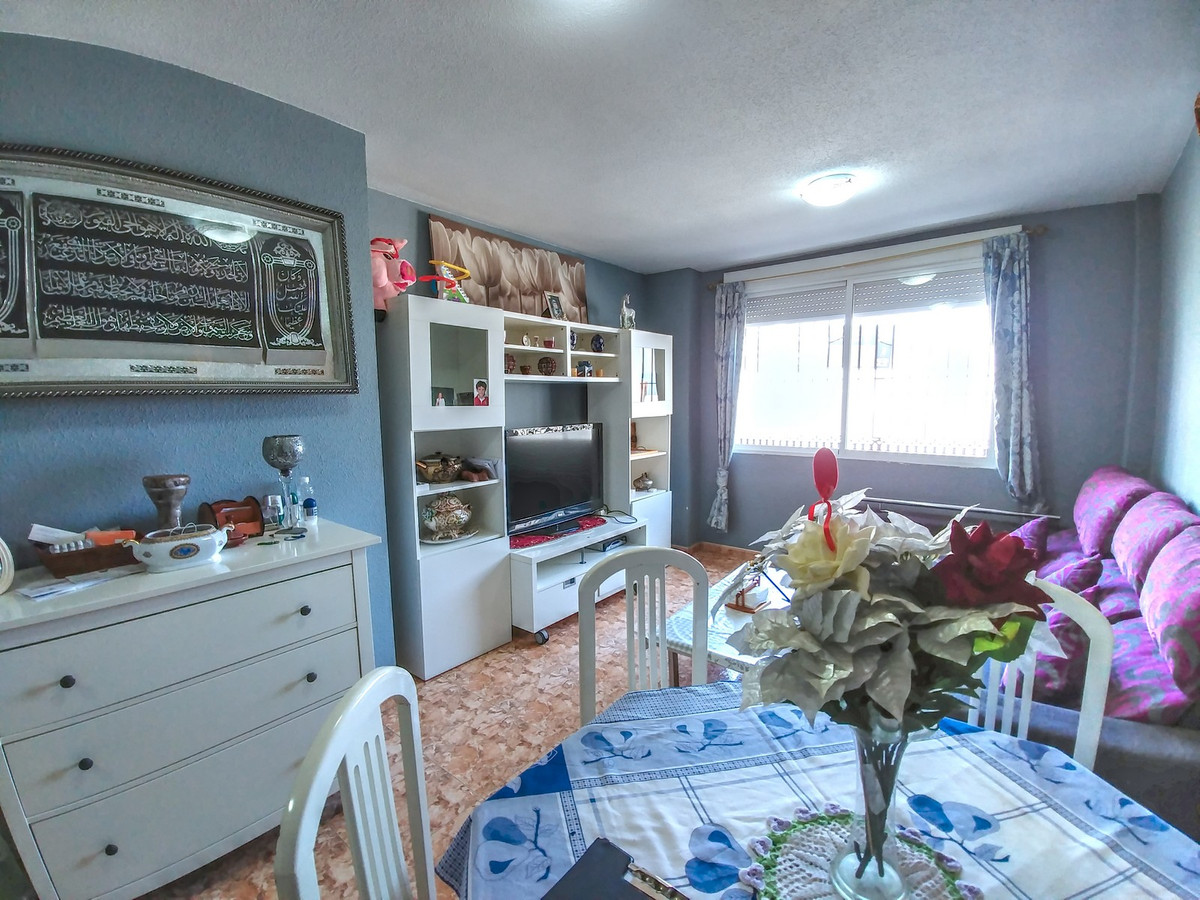 Apartment well located and surrounded by the necessary elements to develop daily life: supermarkets,,Spain