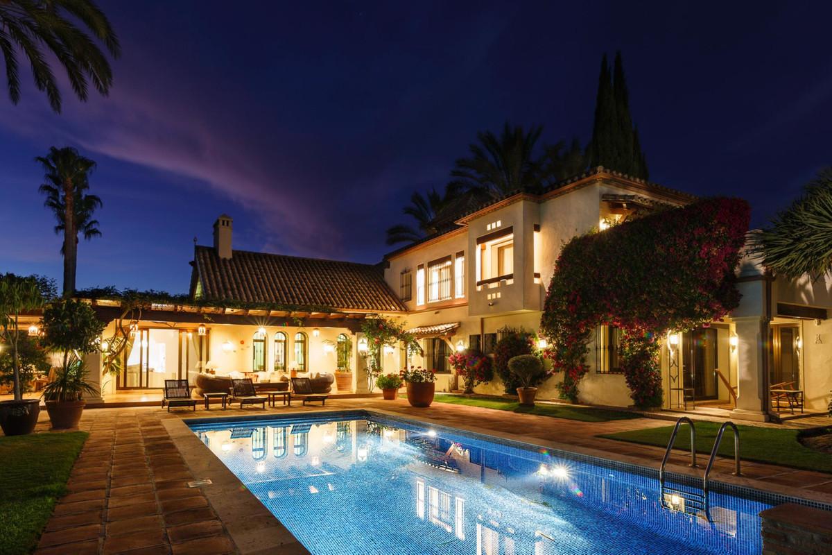 Villa Detached Nueva Andalucía Málaga Costa del Sol R3664559