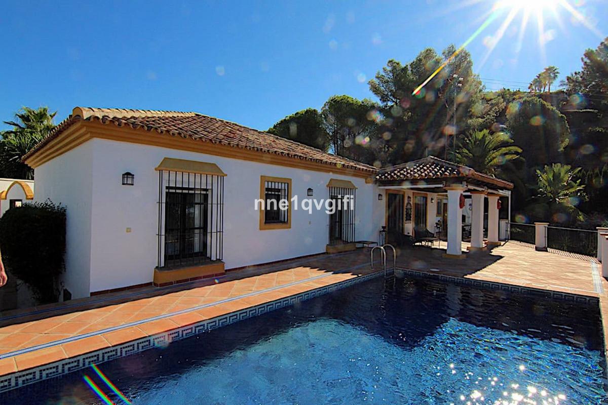 Villa Detached El Madroñal Málaga Costa del Sol R2248031