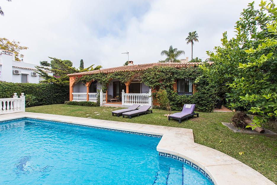 Villa Detached Marbesa Málaga Costa del Sol R2178632