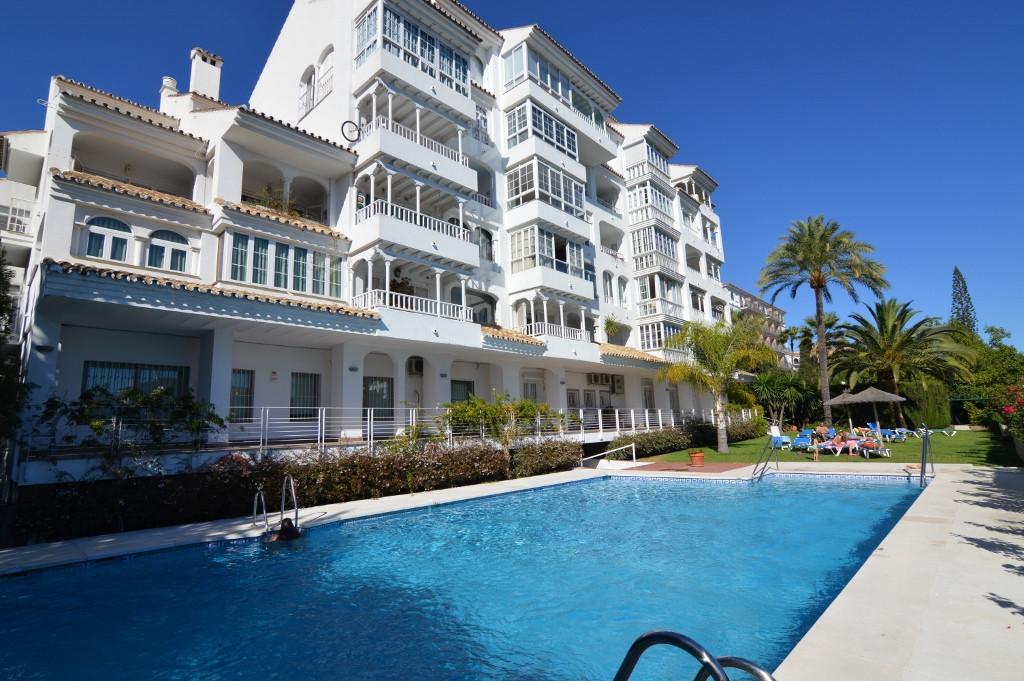 Apartment Middle Floor Nueva Andalucía Málaga Costa del Sol R3012626