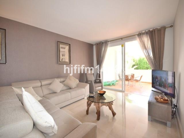 Apartment Middle Floor Nueva Andalucía Málaga Costa del Sol R2750639 7