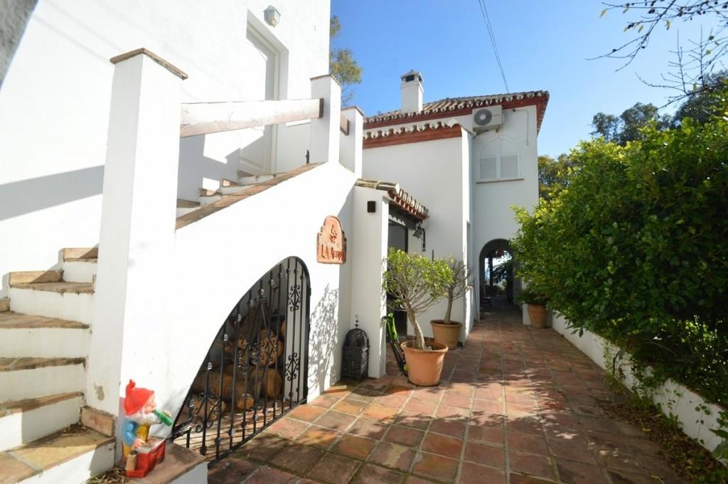 Villa Detached Benalmadena Pueblo Málaga Costa del Sol R2329154 9