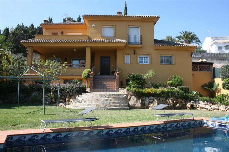 Villa Detached Elviria Málaga Costa del Sol R2256608