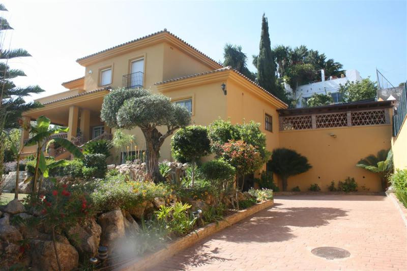 Villa Detached Elviria Málaga Costa del Sol R2256608 3