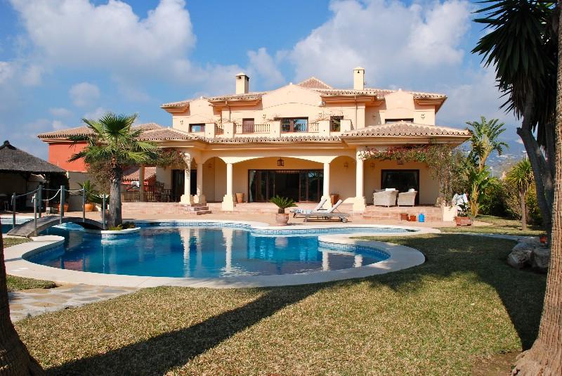Villa Detached Fuengirola Málaga Costa del Sol R2168762