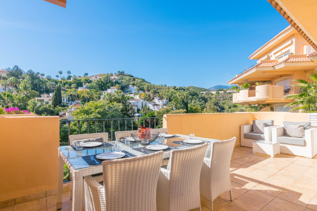 BEAUTIFUL 2 BEDROOM APARTMENT WITH OPEN VIEWS IN NUEVA ANDALUCIA!!  Very cosy 2 bedroom apartment in, Spain