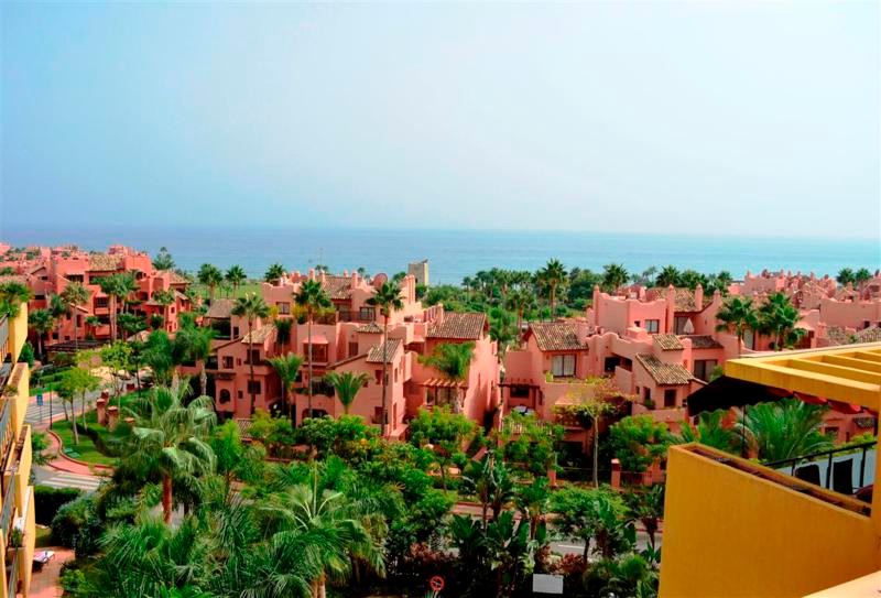 FANTASTIC 3 BEDROOM DUPLEX PENTHOUSE WITH AMAZING VIEWS ONLY 50 METERS TO THE BEACH!! REDUCTION FROM,Spain