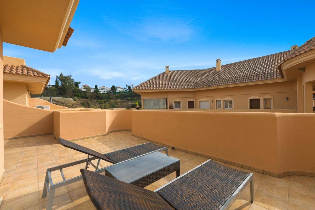 Apartamento Planta Media en Venta en Nueva Andalucía – R3609737