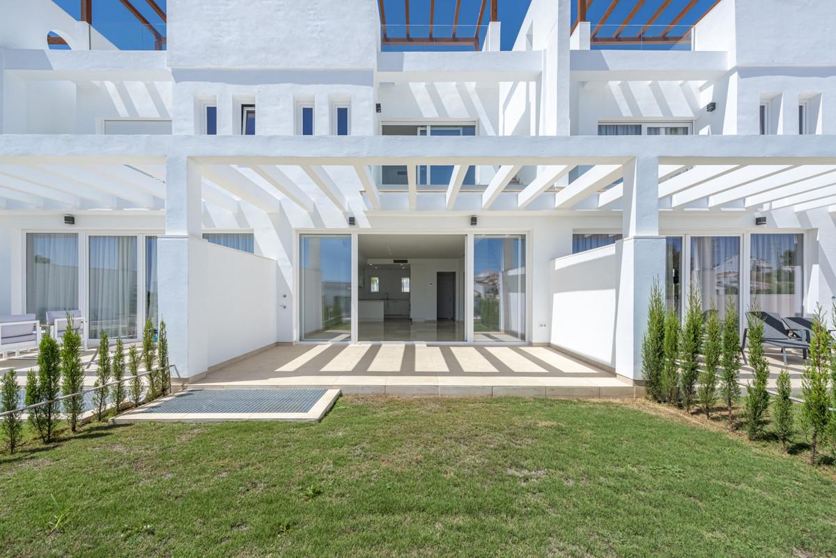 Marbella Banus Adosado en Venta en Calahonda – R3694658