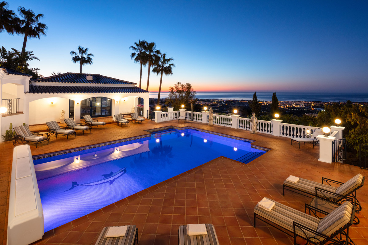 9 bedroom villa for sale el madronal