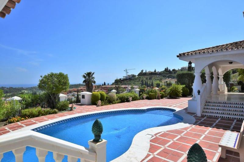 Marbella Banus Villa – Chalet en venta, El Paraiso – R3200182