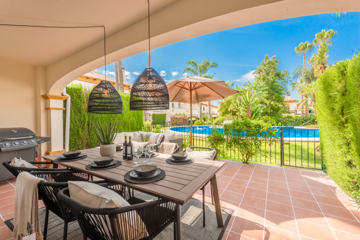 NO VIEWINGS. UNDER OFFER!  Renovated 4 bedroom townhouse located just 650 meters from the beach and ,Spain