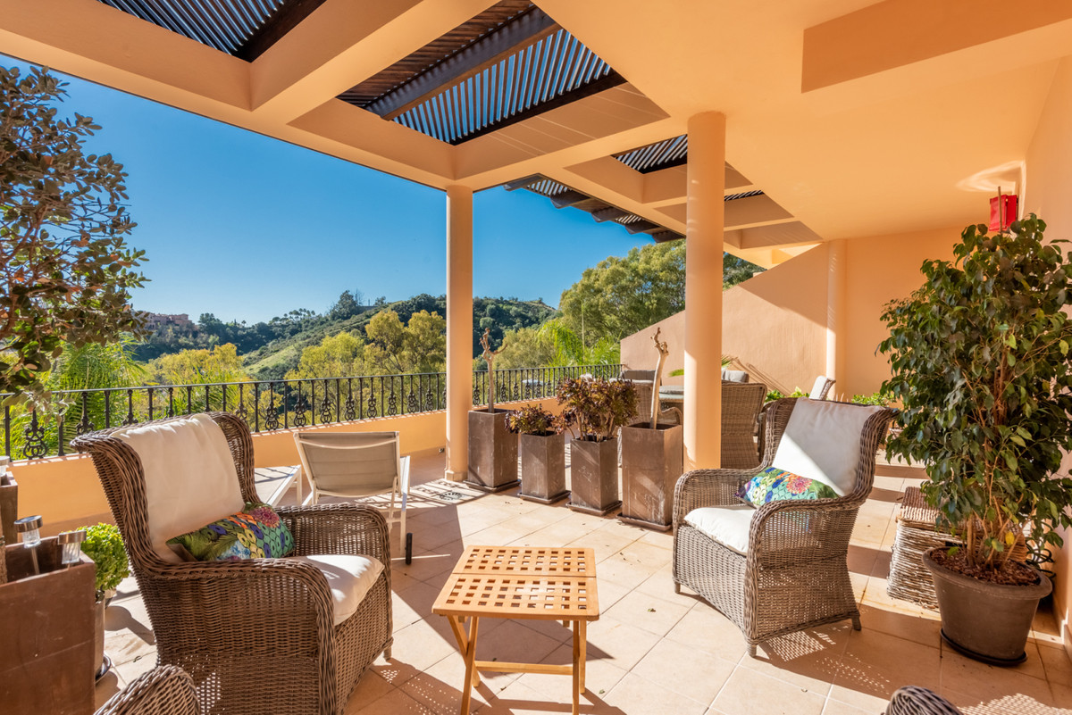 Spacious and bright middle floor apartment with the best corner position in the complex. This two-be,Spain