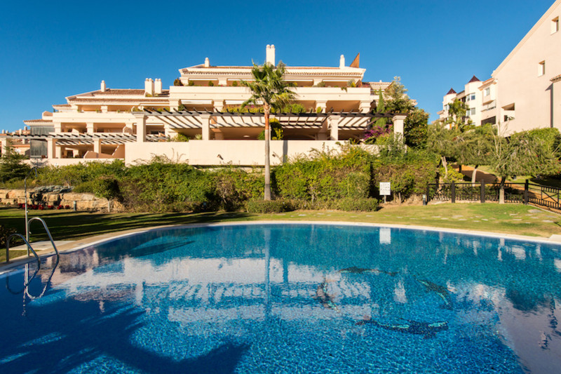 Spacious  duplex penthouse with 3-bedrooms, with mountain- and sea views, east and west facing terra, Spain