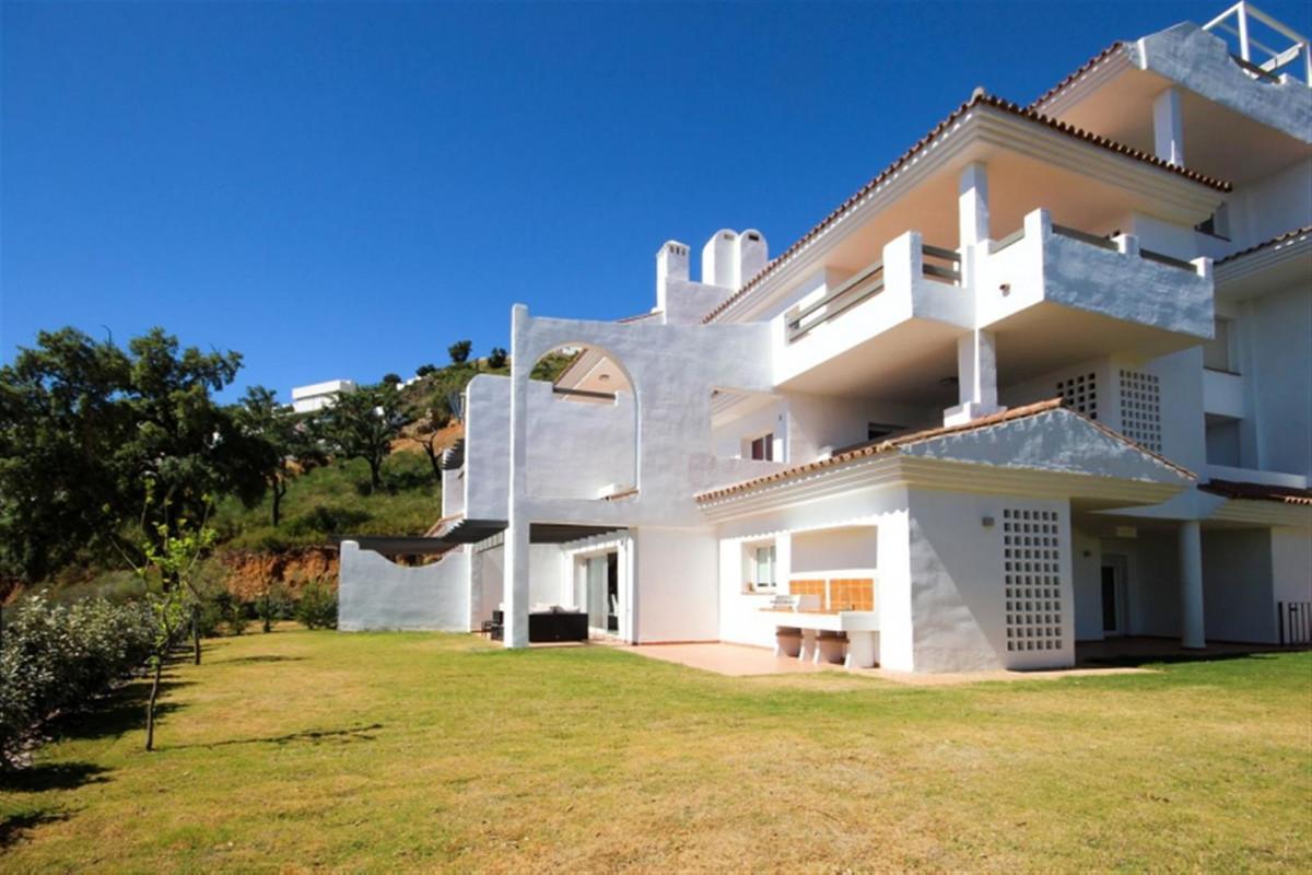 Marbella Banus Apartamento Planta Baja en Venta en La Mairena – R3657557