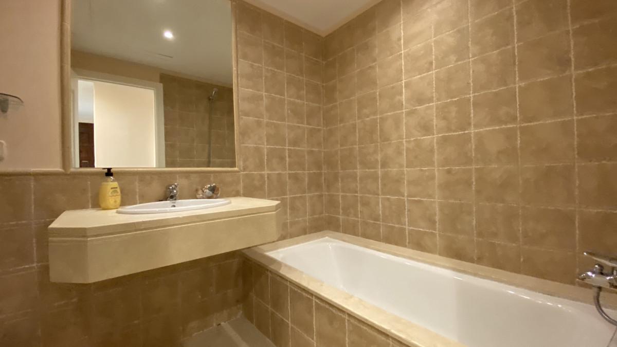 Apartamento Planta Baja en Venta en Los Flamingos – R3415048