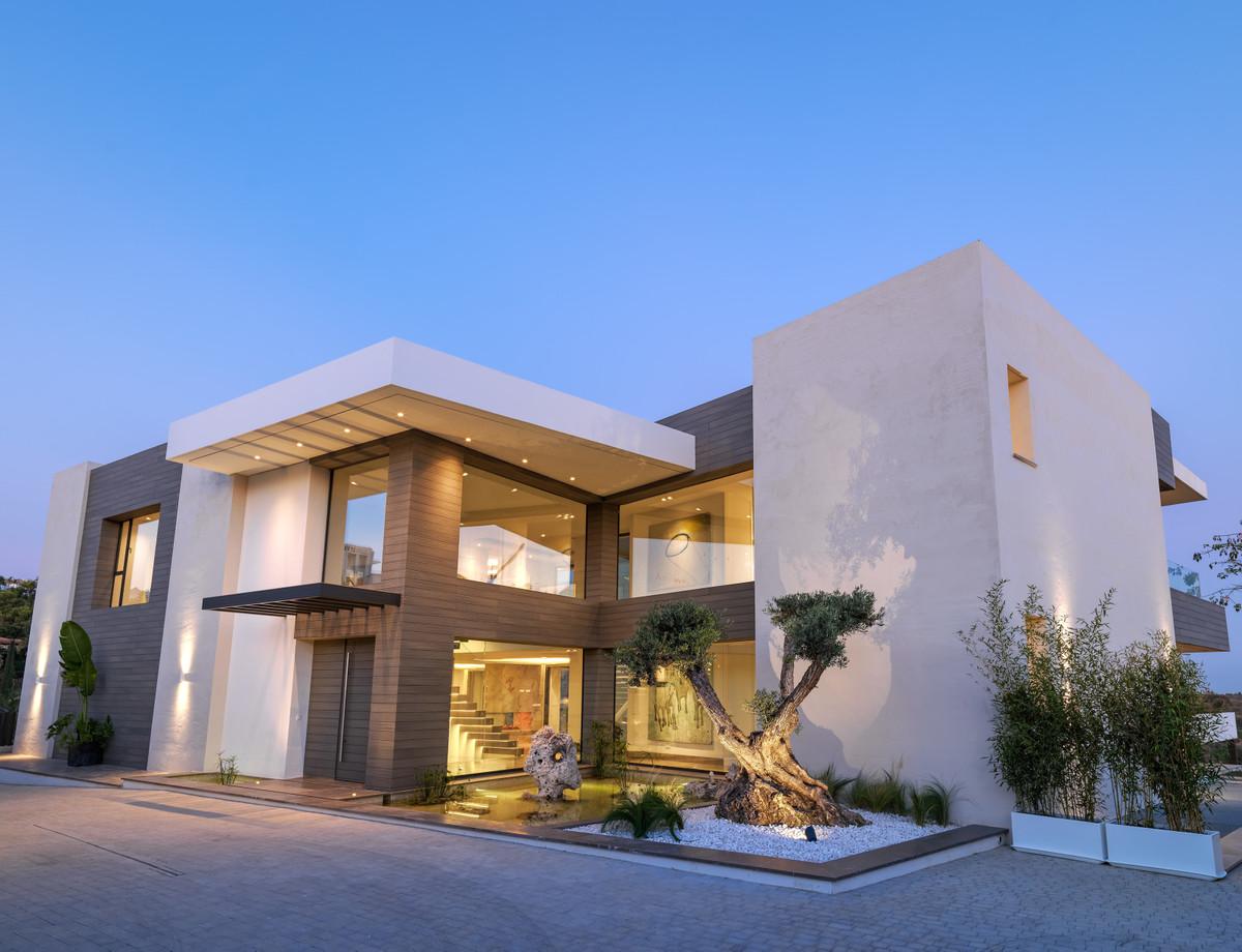 Villa 5 Dormitorios en Venta Los Flamingos