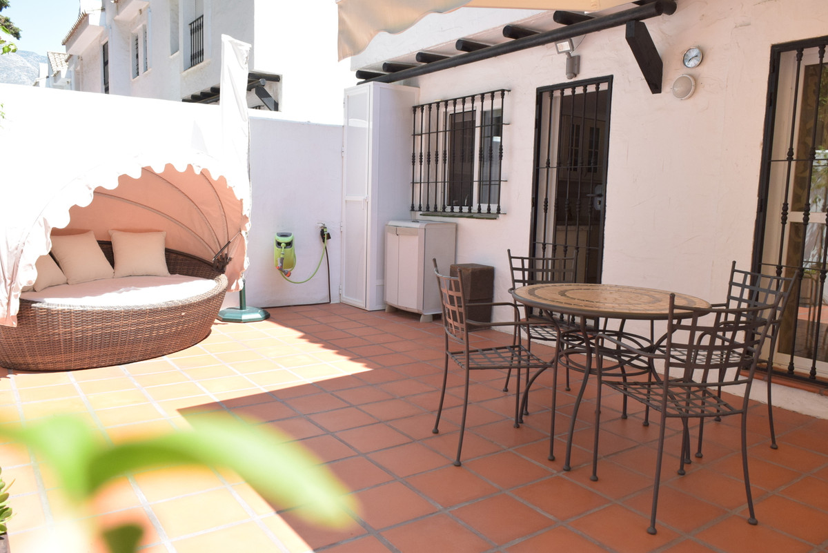 4 Bedroom Townhouse for sale Nueva Andalucía