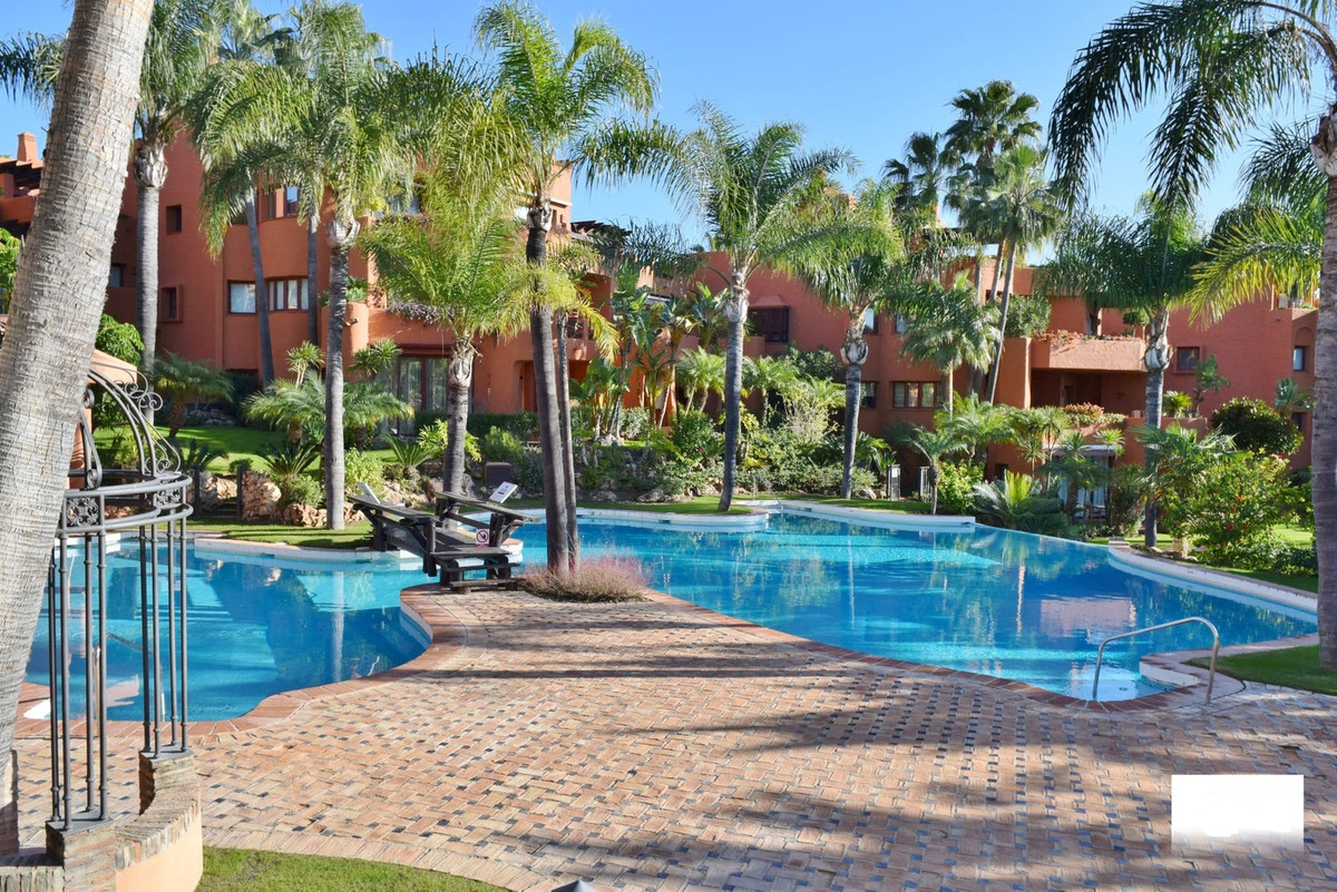 For Sale,  A fantastic Spacious 2 bedroom ground floor apartment in the lovely luxurious Gated urban,Spain