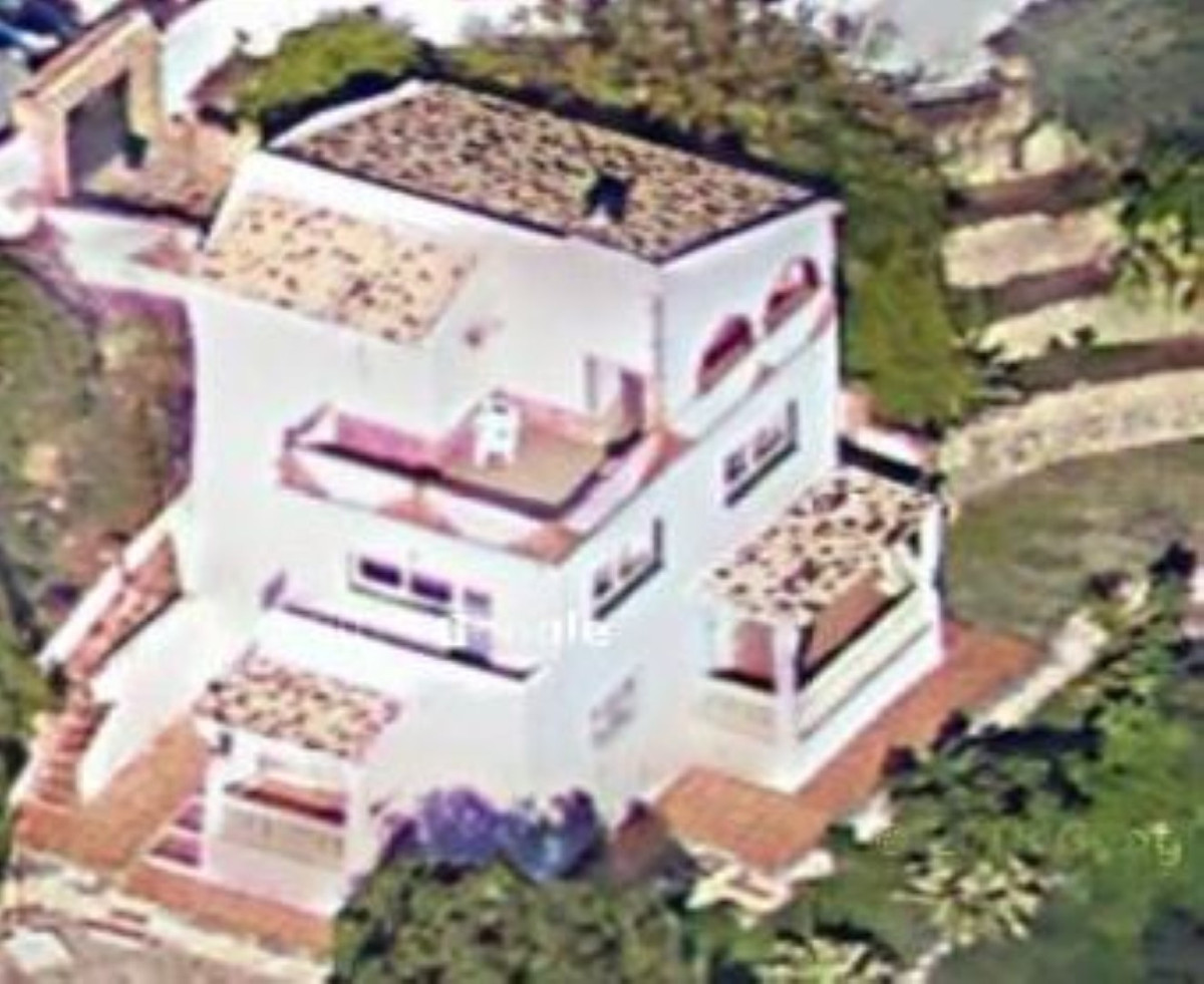 Villa independent with lovely views to the garden, parcial sea views , Benalmadena, Costa del Sol.  ,Spain