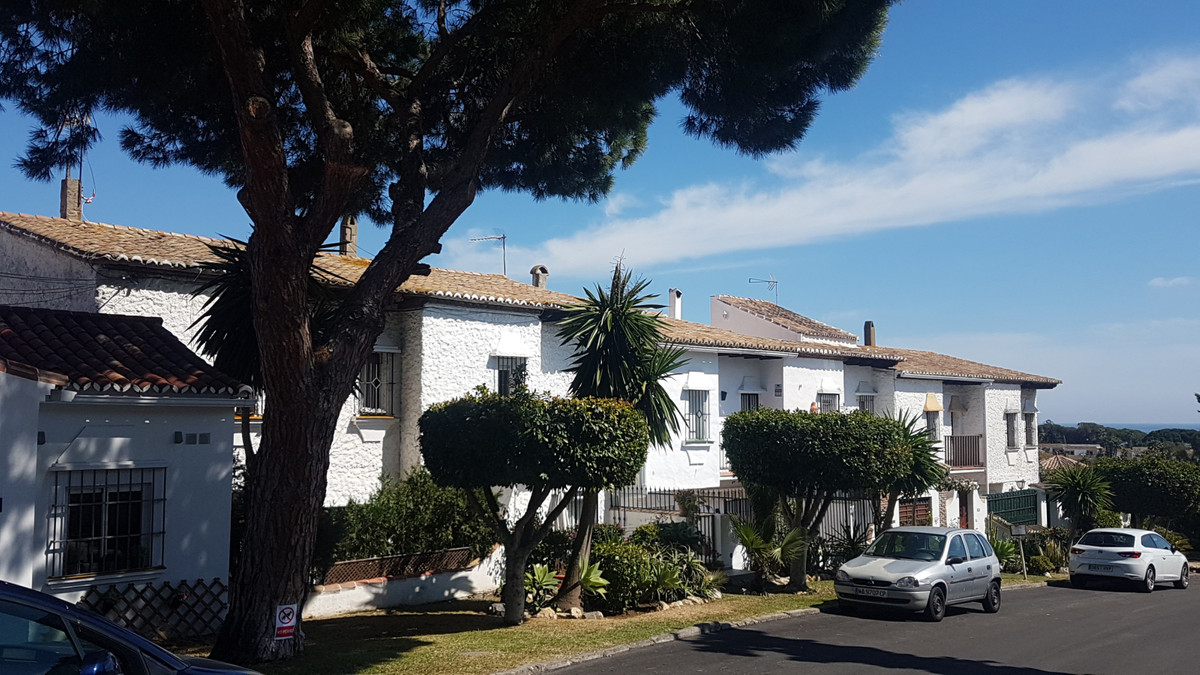ANDALUCIAN STYLE COMPLEX CLOSE TO THE BEACH AND CABOPNIO AREA: TOWNHOUSE 2 LEVEL  2 BED / 2 BATH AND,Spain