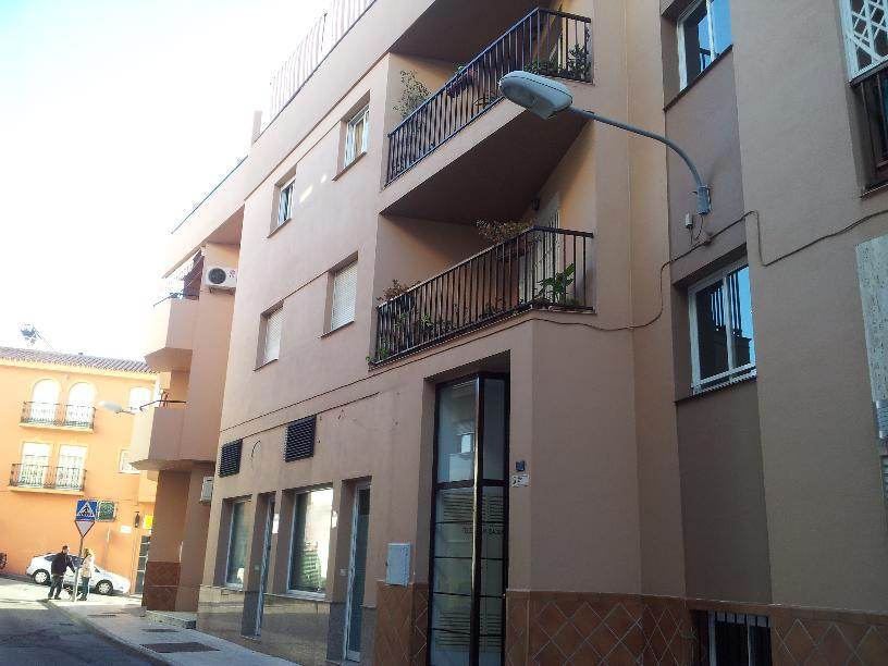 FUENGIROLA ( LAS LAGUNAS)  FANTASTIC BRAND NEW APARTAMENT 100 metres: 3 bed / 2 bath / and private g, Spain