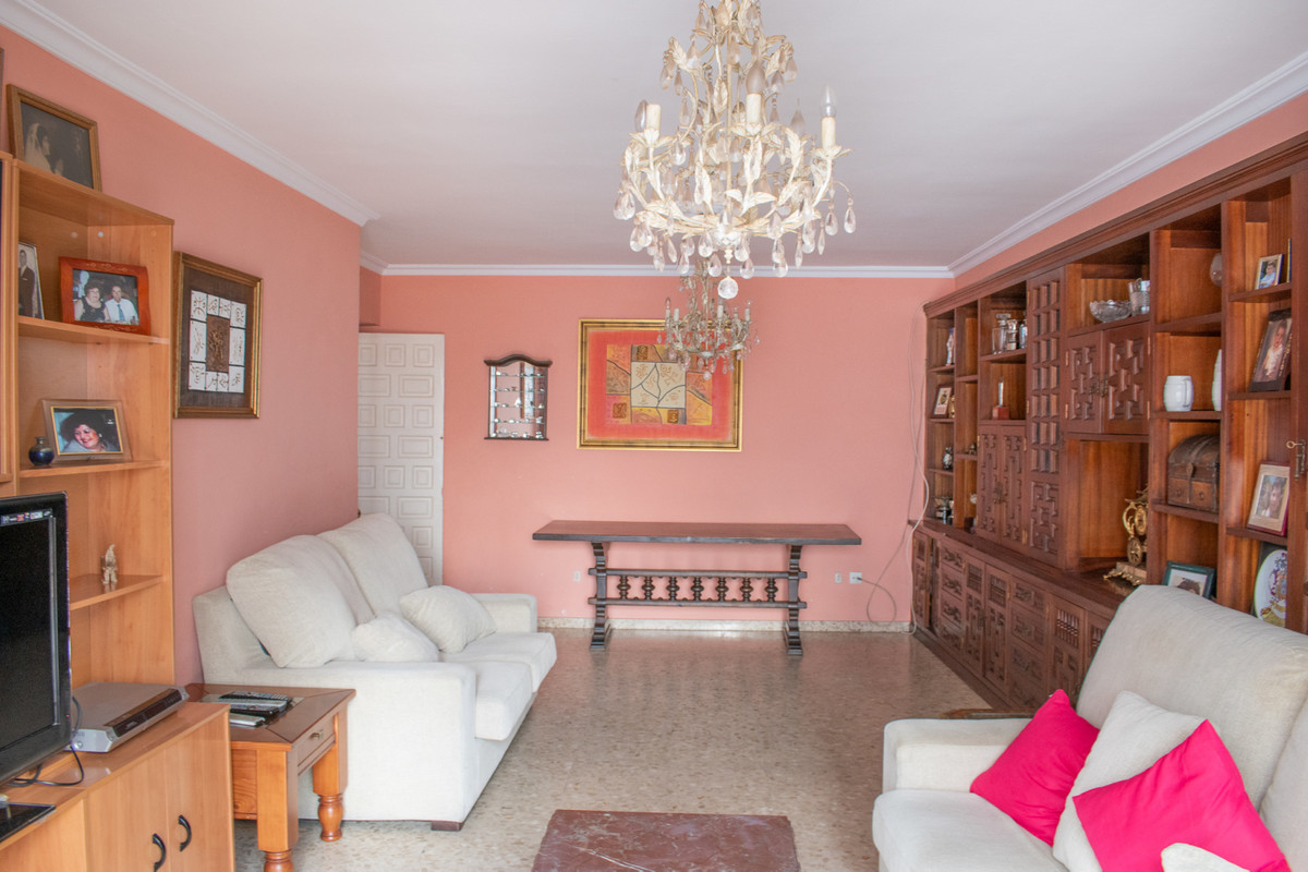 Apartment for Sale in Marbella – R3744205