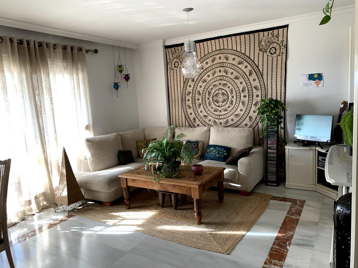 Apartamento en Venta en Marbella – R3785860