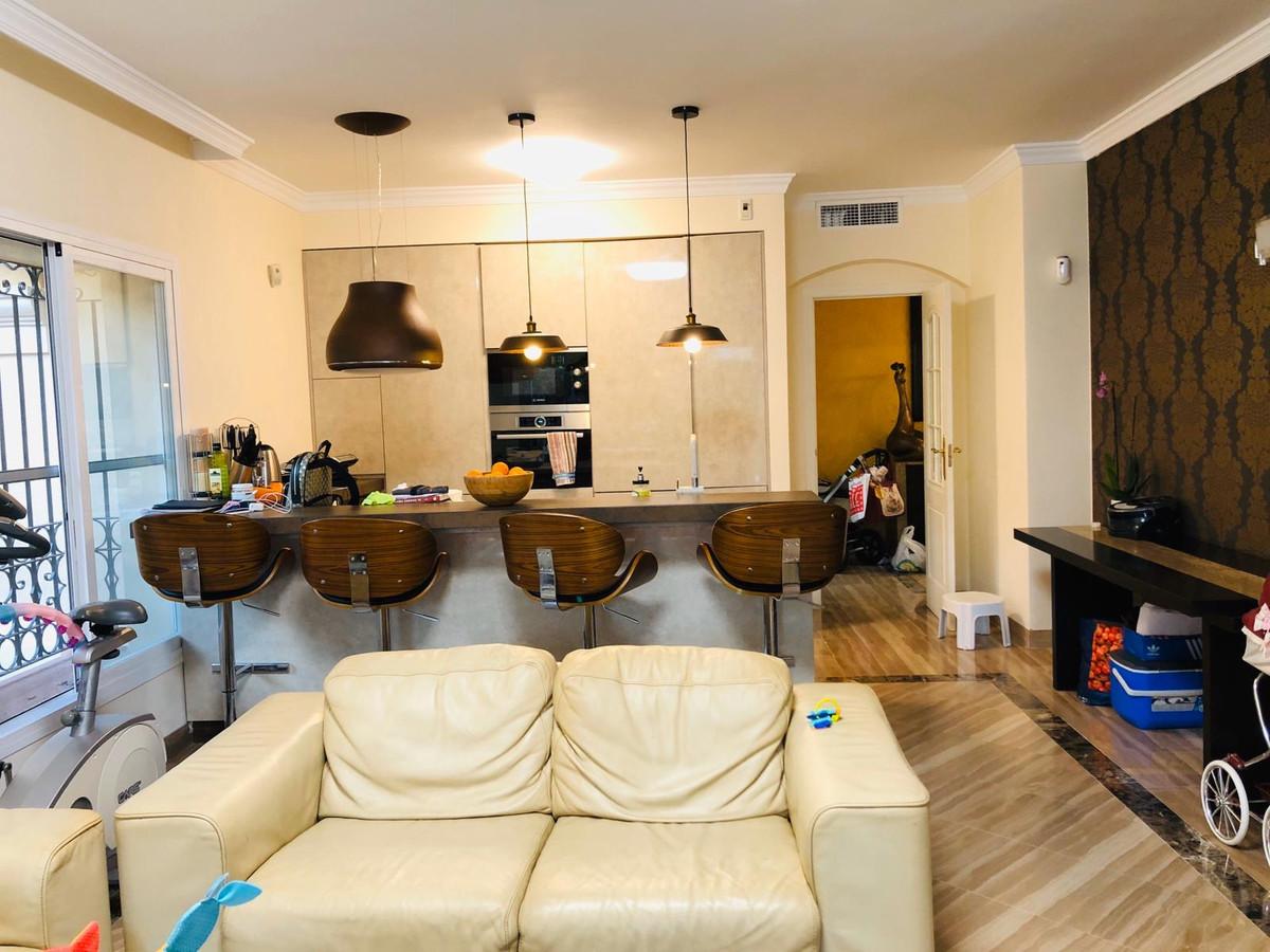 Apartamento Planta Baja en Venta en Elviria – R3645161