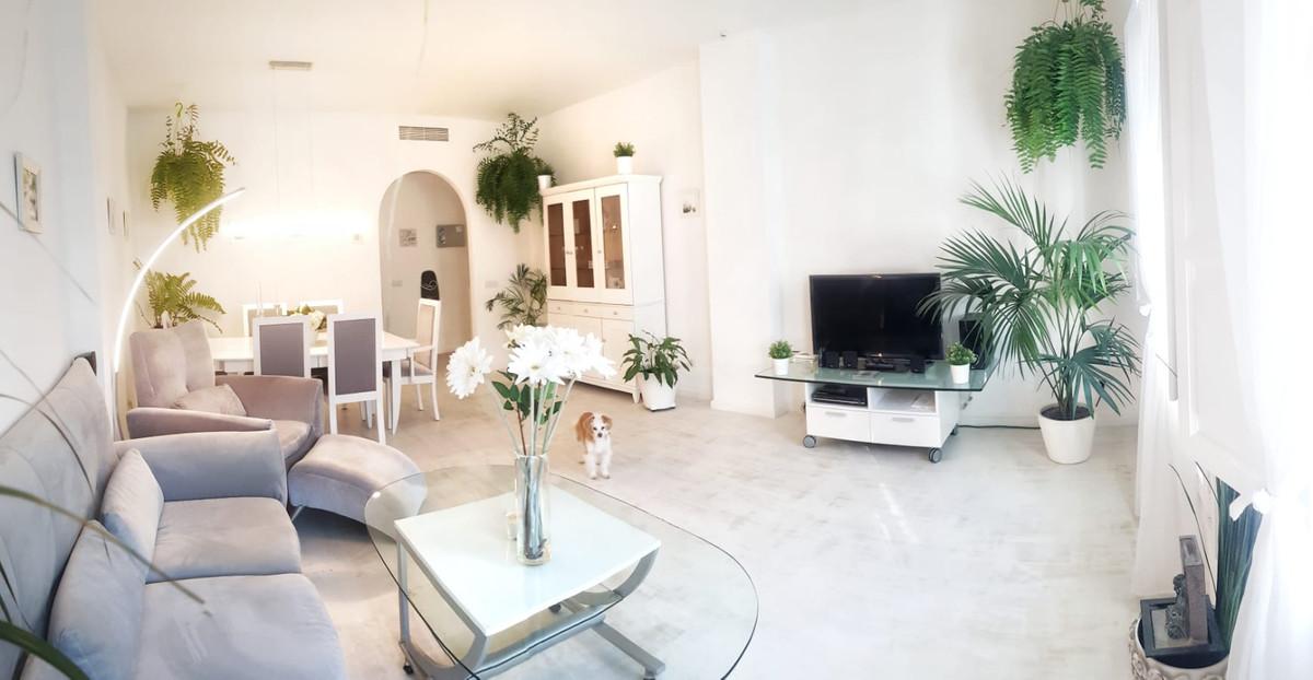 Marbella Banus Apartamento en Venta en Marbella – R3785134