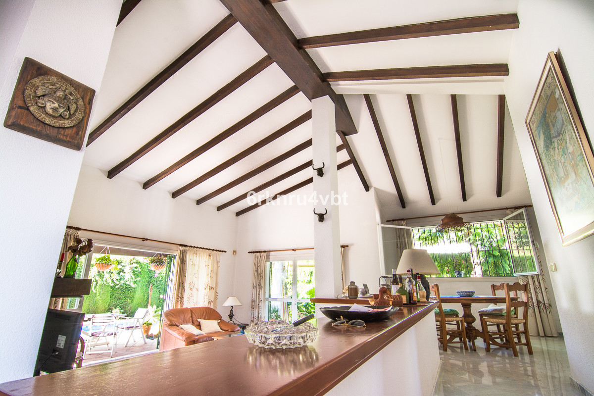 We are pleased to introduce this beautiful south facing family home in Atalaya which has huge potent,Spain