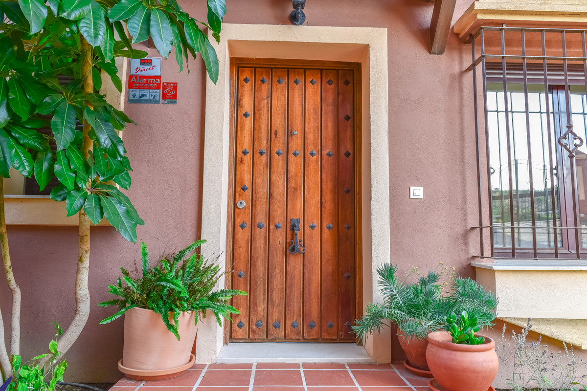 Townhouse  Terraced for sale  and for rent  in Estepona