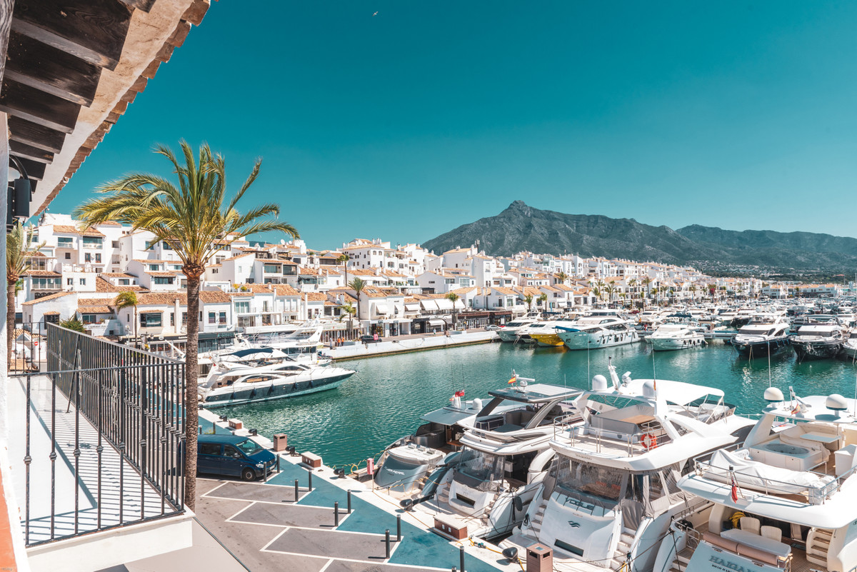 This prestigious first line apartment in the center of PUERTO BANUS HARBOUR with picture perfect mar, Spain