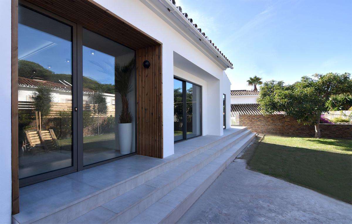 Detached Villa for sale in El Rosario R3617366