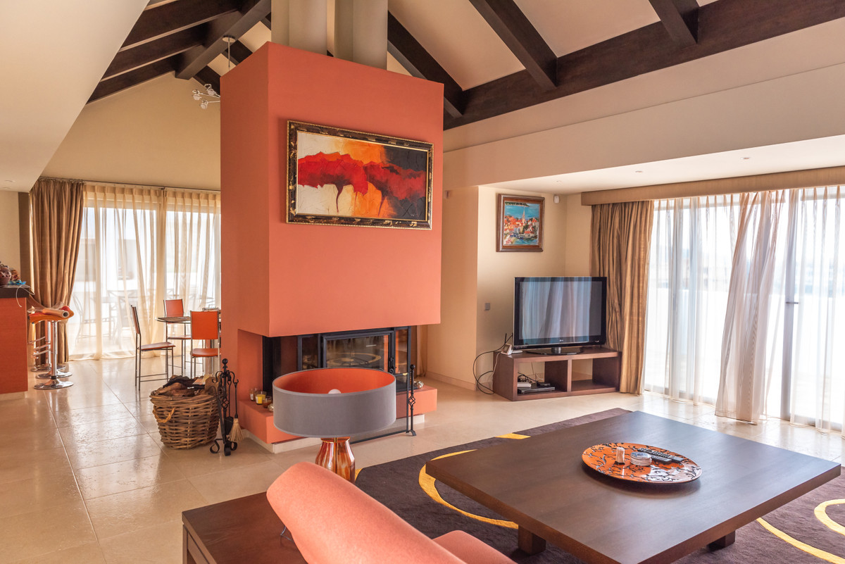 Luxury 3 bedroom penthouse located within one of the best urbanizations in Los Flamingos - frontline,Spain