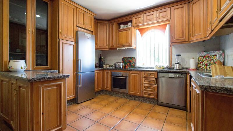 Villa – Chalet, Benahavís – R3234064